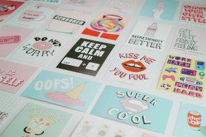 חבילת גלויות ופוסטרים